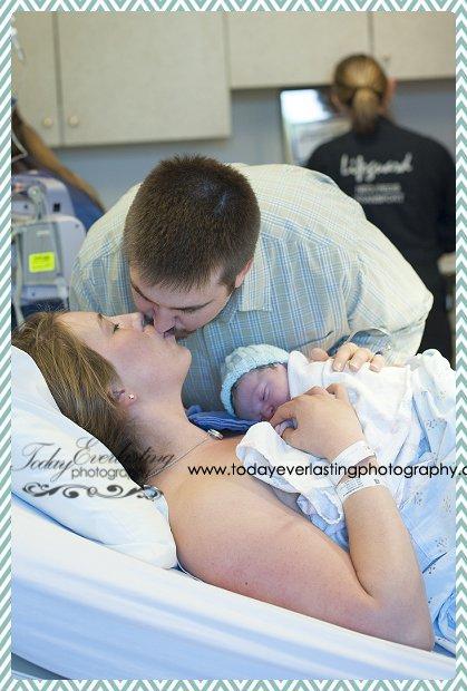 Morris, IL Birth Photographer Schwalm044