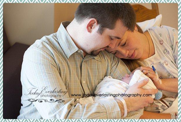 Morris, IL Birth Photographer Schwalm111