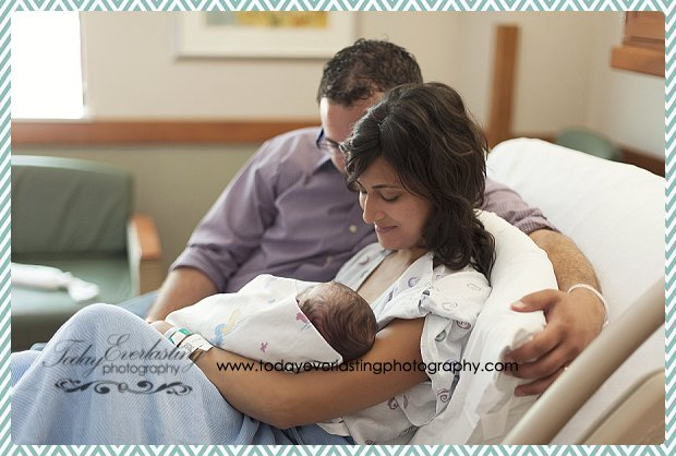 Morris, IL Newborn Hospital Photographer Ramos003