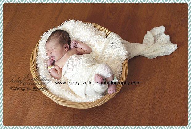 Morris, IL Newborn Hospital Photographer Ramos013