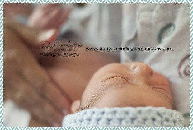Morris, IL Newborn Hospital Photographer Ramos018