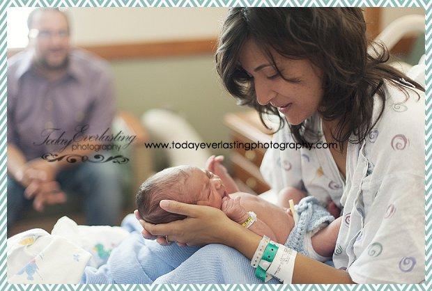 Morris, IL Newborn Hospital Photographer Ramos025