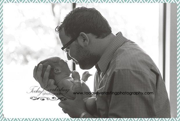 Morris, IL Newborn Hospital Photographer Ramos029BW