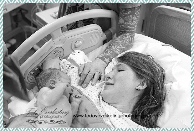 Morris, IL birth photographer Daniels BW 014