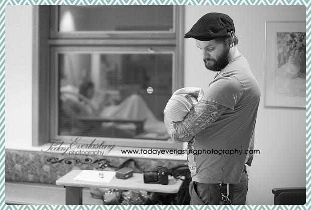 Morris, IL birth photographer Daniels BW 078