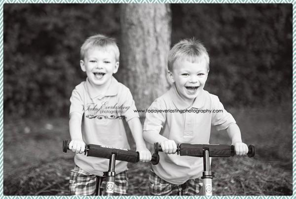 Joshua&Jacob Morris, IL Child & Family Photographer 12