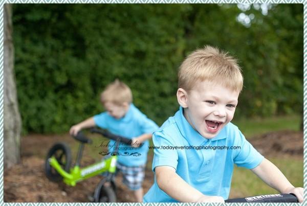 Joshua&Jacob Morris, IL Child & Family Photographer 16