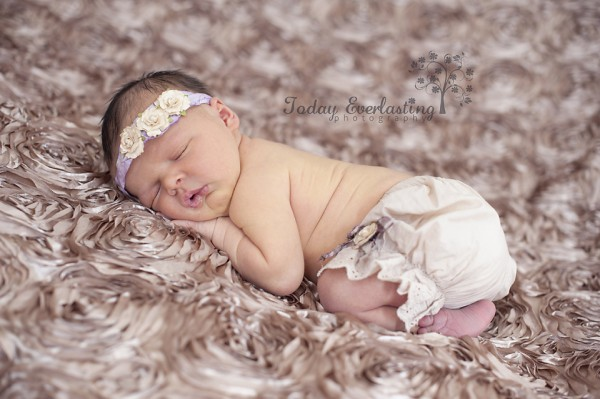 Aurora IL Newborn Photographer Cerrincione 12
