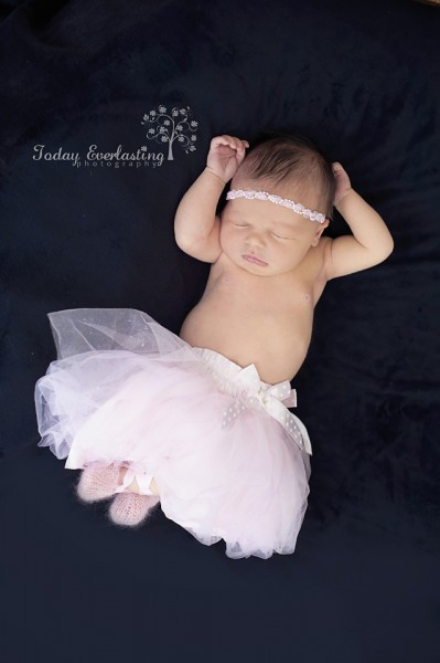Aurora IL Newborn Photographer Cerrincione 34